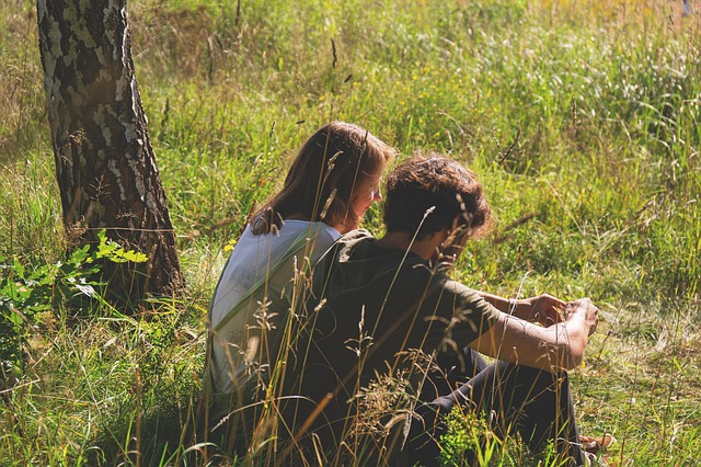 7 Ways to Make Curiosity Strengthen Your Relationship